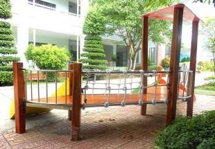 Cầu trượt gỗ cao cấp