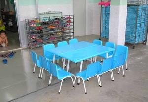 Bàn ghế mầm non nhựa composite
