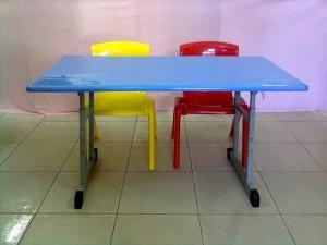 Bàn ghế học sinh mầm non