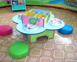 Bộ bàn ghế bông hoa mai