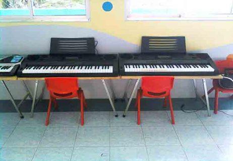 Bộ bàn ghế để đàn organ
