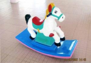 Bập bênh con ngựa đơn