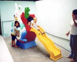 Cầu trượt thỏ ngọc đơn nhà trẻ