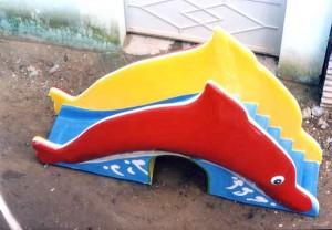 Cầu trượt cá heo