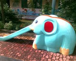 Cầu trượt con voi